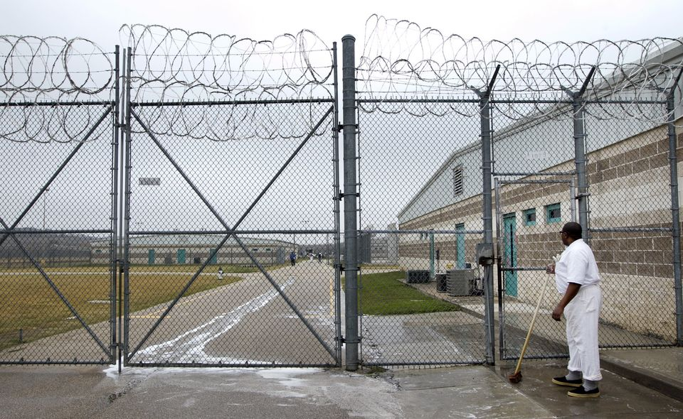 TX PRISON ISSUES/PRIVATE PRISONS